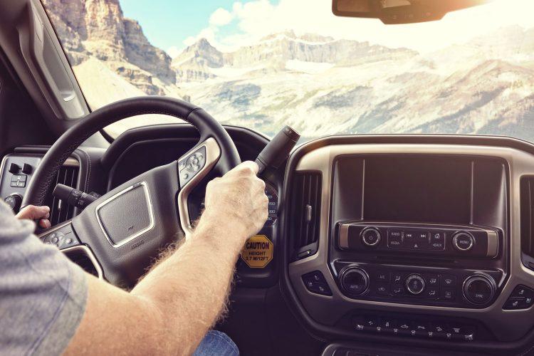 Mit welchem Führerschein darf man ein Wohnmobil fahren?