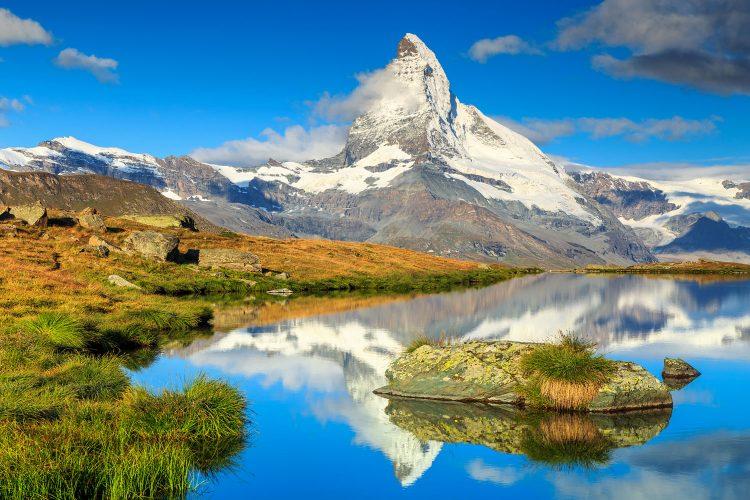 Der Stellisee unterhalb des Matterhorns
