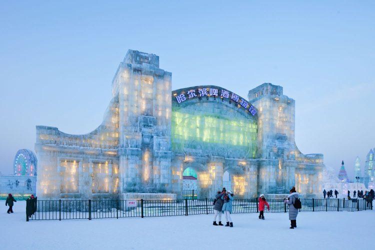 Eisgebäude beim Eisfestival