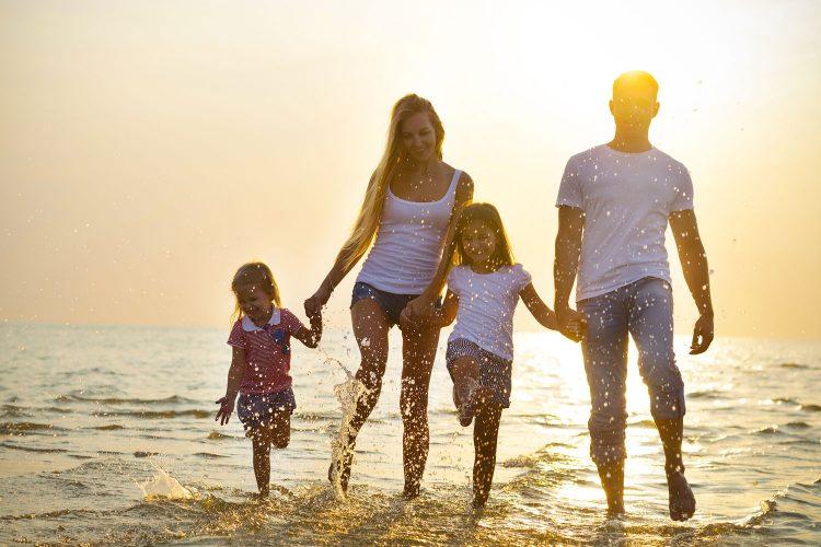 Für Familien lohnt schnell eine Familienjahresversicherung