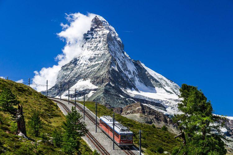 Mit der Gornergrat Bahn ein grandioses Matterhornpanorama erleben