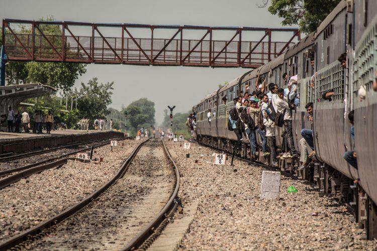 Der Zug ist das wichtigste Transportmittel in Indien