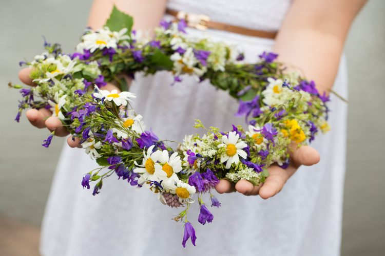 Blumenkranz für Mittsommer