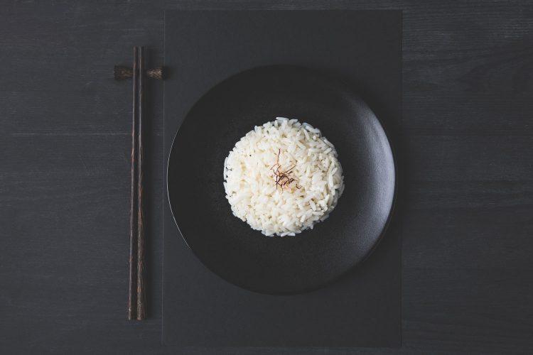 Kein Körnchen Reis auf dem Teller liegenlassen!