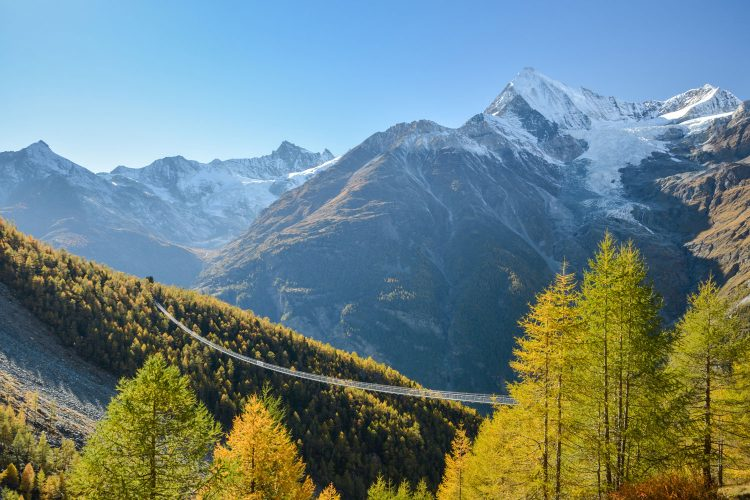 Adrenalin-Kick garantiert: Die Fußgänger-Hängebrücke bei Zermatt