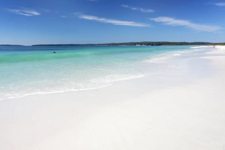 Strahlend weißer Hymas Beach in Australien