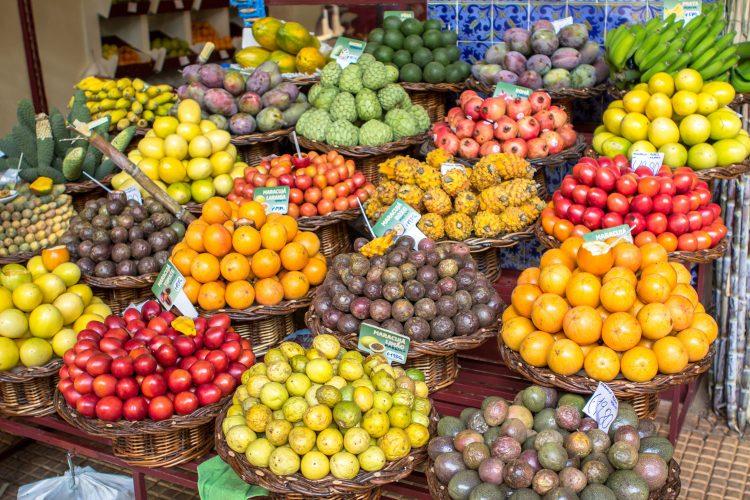 Weihnachtsmarkt mal anders: Bei der Noite do Mercado bis in die Nacht einkaufen