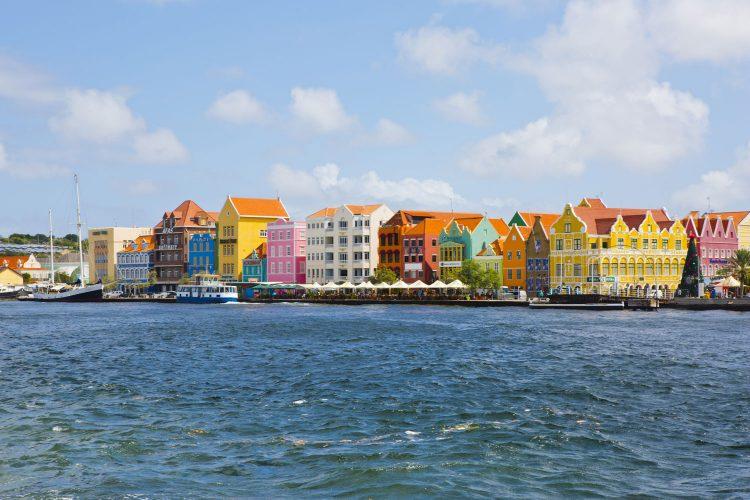 Die bunten Häuser von Willemstad auf Curacao