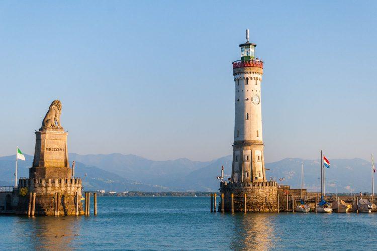 Löwe und Leuchtturm im Hafen von Lindau