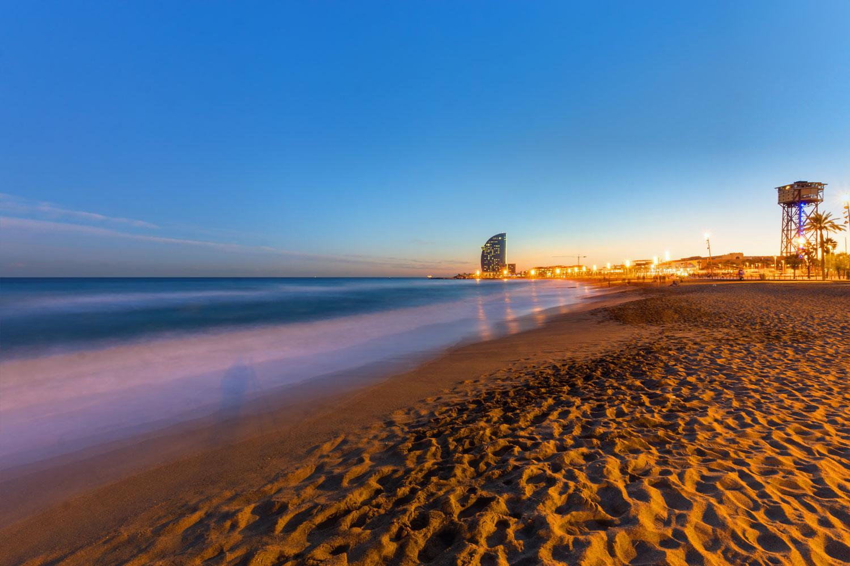 barcelona erleben  von la rambla bis paella  traveltipde