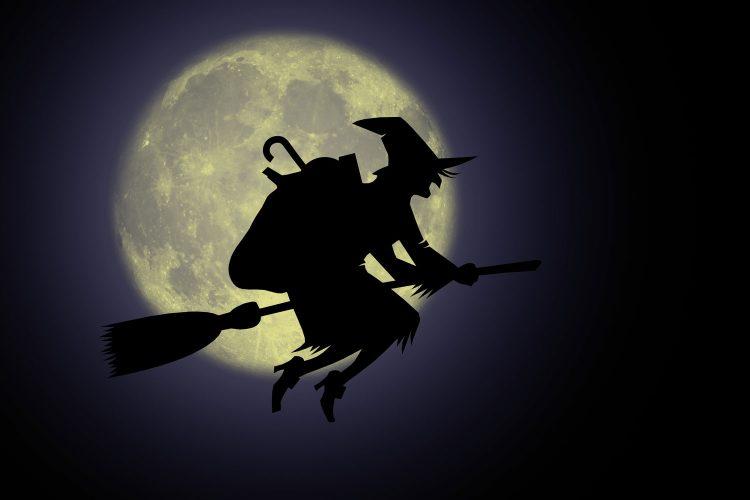 Die Hexe Befana bringt in den italienischen Kindern Geschenke