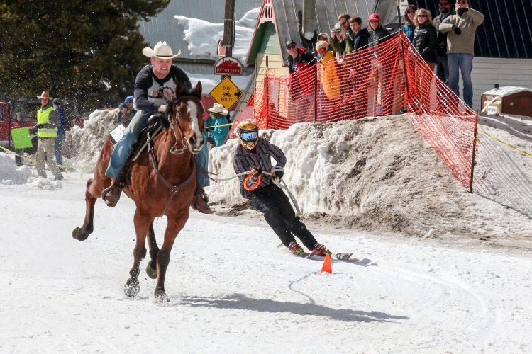 Nur für Adrenalinjunkies: Skijöring